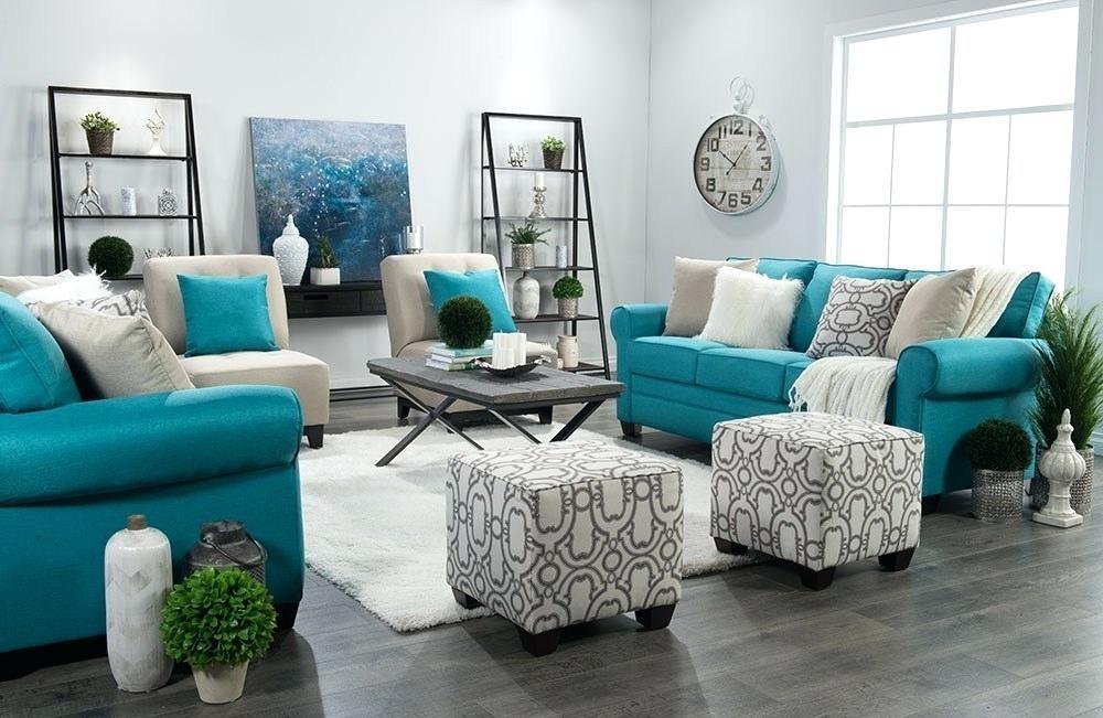 ترکیب رنگ آبی و سفید با طیف های روشن و تیره آبی