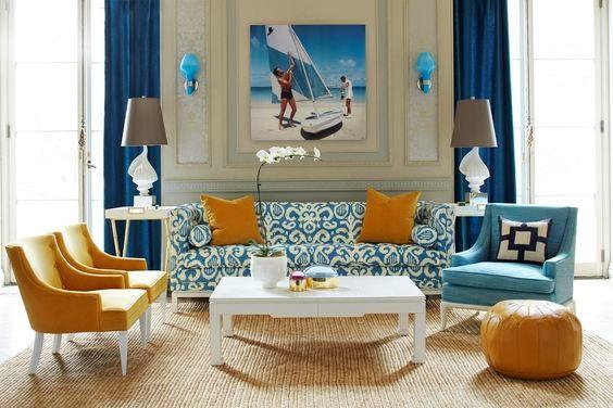 رنگ زرد و پس زمینه کرم، در کنار ترکیب رنگ آبی و سفید